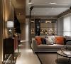 廊道铺陈 廊道不是一个短暂经过的空间,张德良设计师将其视为住宅里的重要联通桥,于机能面能提升住宅动线顺畅度,亦富含美学设计。