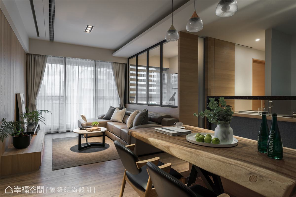 装修设计 装修完成 现代风格 休闲多元 客厅图片来自幸福空间在79平,简约通透,自然系木质好宅的分享