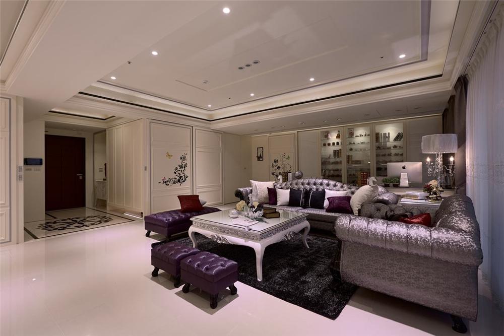 装修设计 装修完成 新古典 客厅图片来自幸福空间在264平,新古典与科技结合 智慧宅的分享