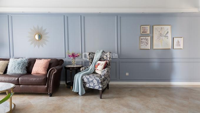 简约 三居 客厅图片来自俏业家装饰在北大资源博雅东_简美风格装修的分享