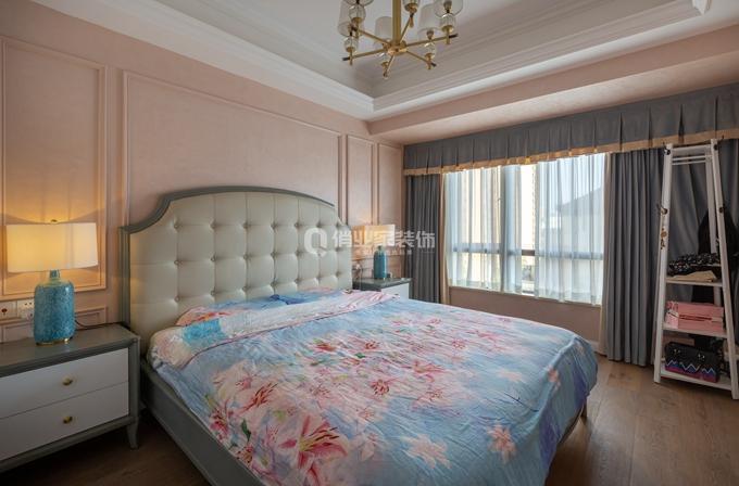 简约 三居 卧室图片来自俏业家装饰在北大资源博雅东_简美风格装修的分享