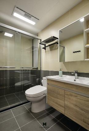 简约 三居 小资 卫生间图片来自王玲在让家愉悦自己的分享