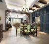 餐厅的地面铺设了仿古拼花地砖,墙面利用壁画和护墙板相结合,让整个空间质感十足同时又充满艺术气息,清新淡雅。