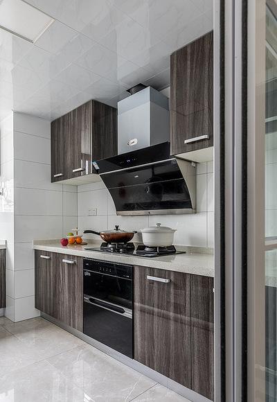 厨房图片来自家装大管家在淡雅清新气质 125平简约美式3居的分享