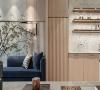 线性设计 透过宽窄间距的线条变化以及木、石材质的交互掩映,在开放式的空间里描绘出不一样的氛围与层次。