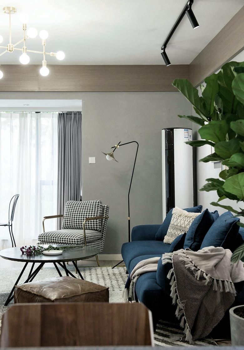 客厅图片来自家装大管家在冷与暖色平衡 135平北欧美式3居的分享