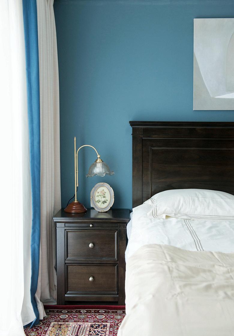卧室图片来自家装大管家在冷与暖色平衡 135平北欧美式3居的分享