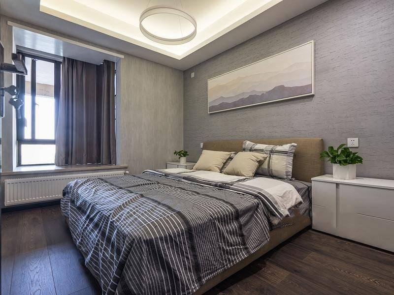 80后 现代简约 卧室 卧室图片来自重庆东易日盛装饰在寰宇天下138㎡现代轻奢设计的分享