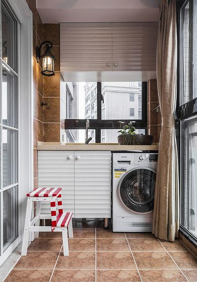 阳台图片来自家装大管家在110平美式休闲3居 稳重不失时尚的分享