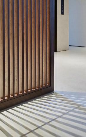 西郊明苑 别墅装修 现代轻奢 腾龙设计 楼梯图片来自腾龙设计在西郊名苑1300平别墅装修设计的分享