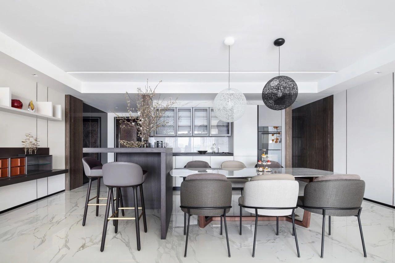 汤臣一品 豪宅装修 现代风格 腾龙设计 餐厅图片来自腾龙设计在汤臣一品大平层项目设计的分享