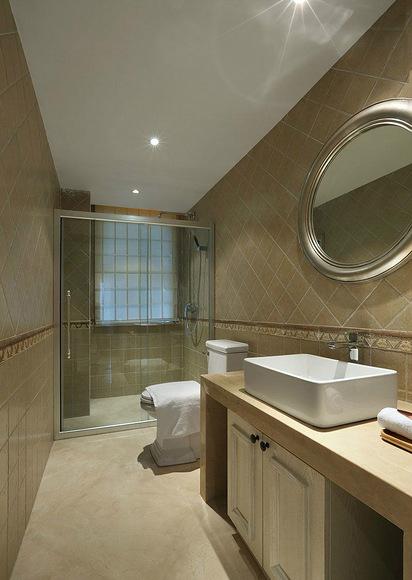 卫生间图片来自家装大管家在精致自然 110平美式混搭舒适3居的分享