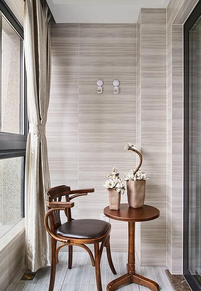 阳台图片来自家装大管家在舒适平淡 135平现代美式休闲3居的分享