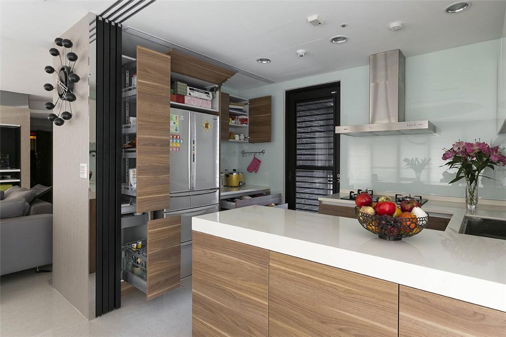 装修设计 装修完成 现代休闲 厨房图片来自幸福空间在182平,客变规划 三面采光机能宅的分享