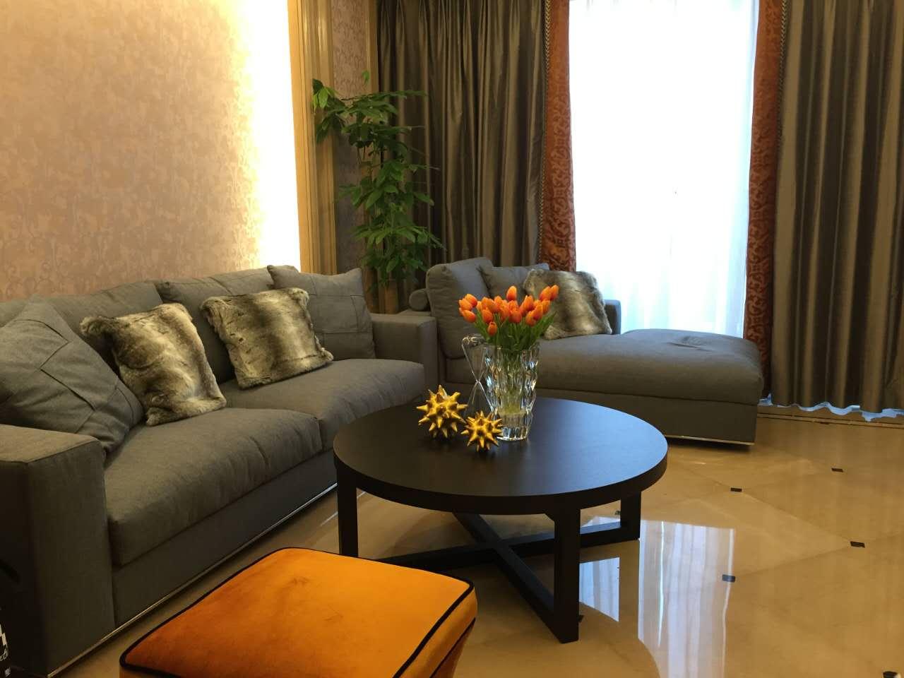 欧式 整天软装设 装修案例 家具 精装房 客厅图片来自洛克整体软装设计在【洛克案例】润富国际精装房的分享