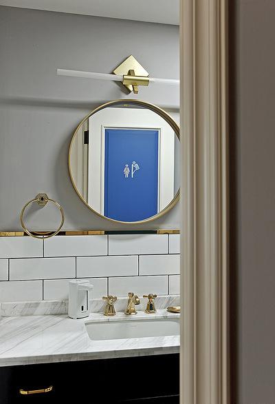 卫生间图片来自家装大管家在舒适温馨 86平炫彩简约时尚家的分享