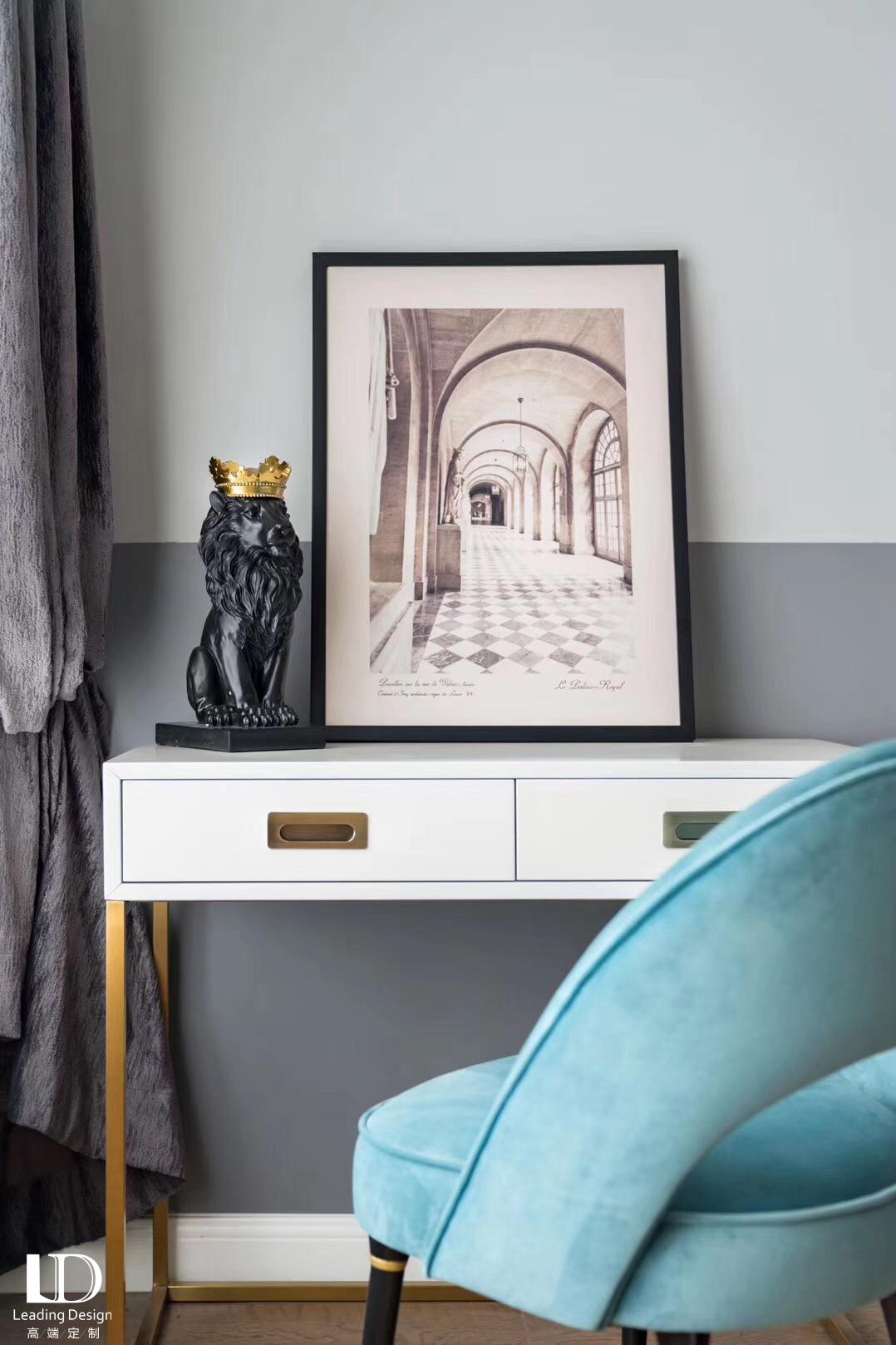 简约 三居 卧室图片来自重庆兄弟装饰黄妃在约克郡壹号湖畔装修参考图的分享