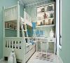 儿童房也是非常有特色,采用高低床加书桌的方式,既节省空间,又表现的立体。