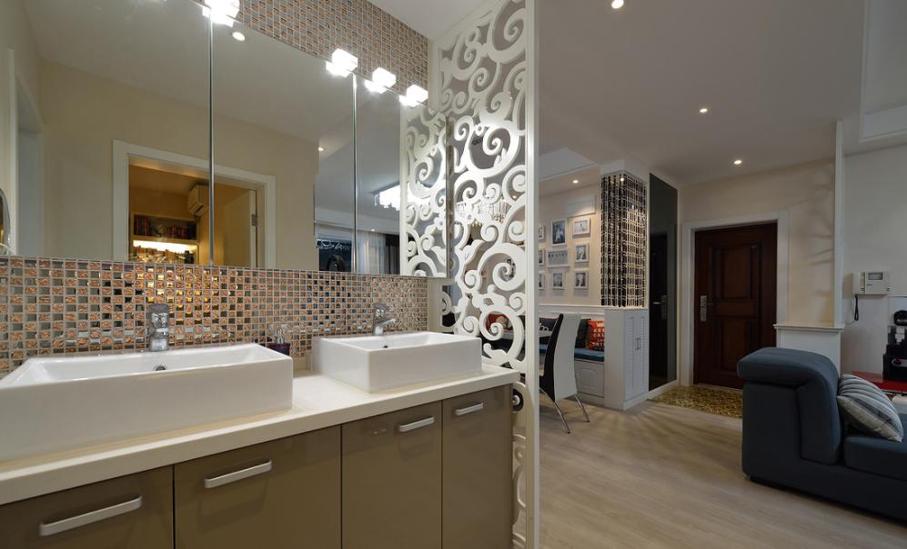 卫生间图片来自我是小样在世茂·璀璨倾城现代93平两室现代的分享
