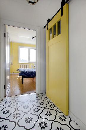 二居 收纳 旧房改造 小户型 久栖设计 家装 室内设计 装修设计 玄关图片来自久栖设计在巧用玻璃隔断做分区,拯救小户型的分享
