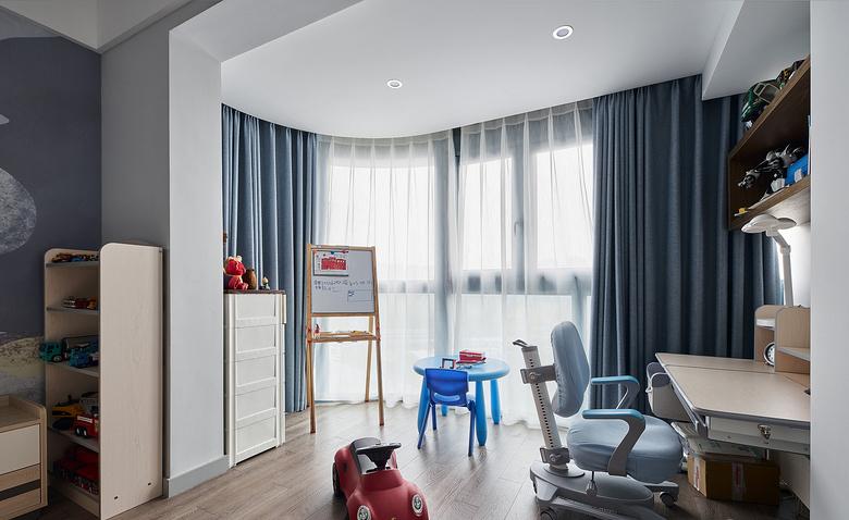儿童房图片来自家装大管家在大胆而灵活 129平现代时尚3居的分享
