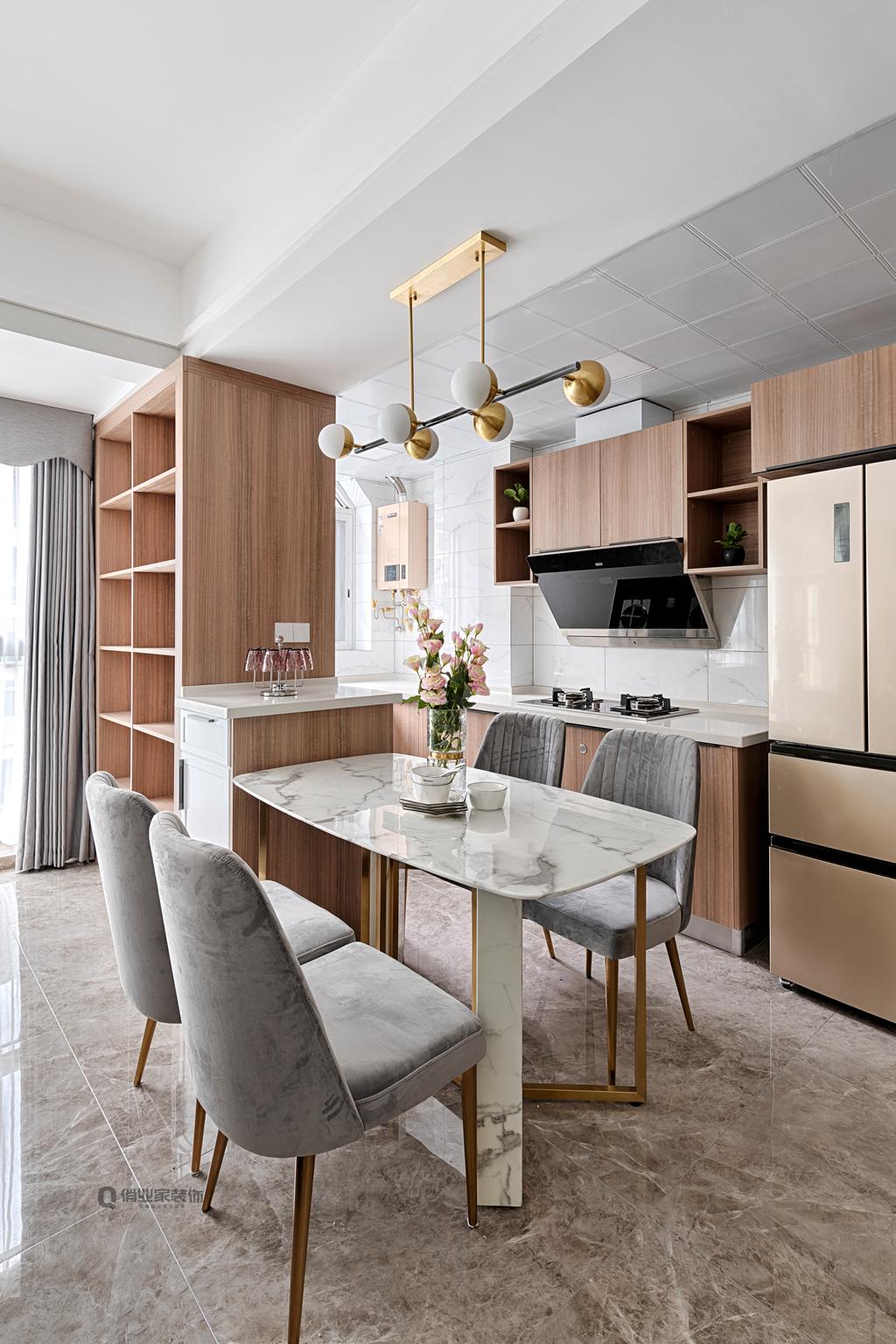 现代轻奢 现代风格 重庆装修 装修设计 现代装修 厨房图片来自俏业家装饰在康田蔚蓝海现代轻奢风格装修的分享