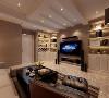 现代风格中加入中式元素调和奢华感,以现代与古典并重为设计原则,通过家具和部分软装体现古典轻奢。