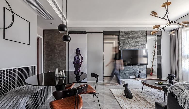 客厅图片来自家装大管家在89平现代时尚家 黑白灰也是美的分享