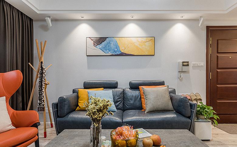 客厅图片来自家装大管家在85平现代素雅之家 满满小资情调的分享