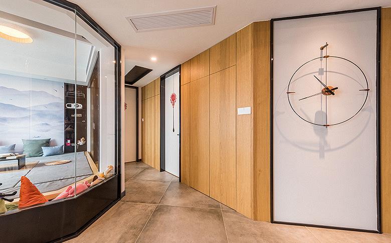客厅图片来自家装大管家在化繁为简 160平简欧混搭雅致3居的分享