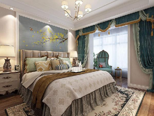 低调沉稳的卧室风格,简单壁画背景墙的基础,以白色的被褥、浅棕色床头的软包等物品,为主人打造一个简约舒适的卧室。