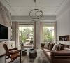 落地窗的设计,将室内的空间与室外的空间相交融,这便是景中是家、家中有景。