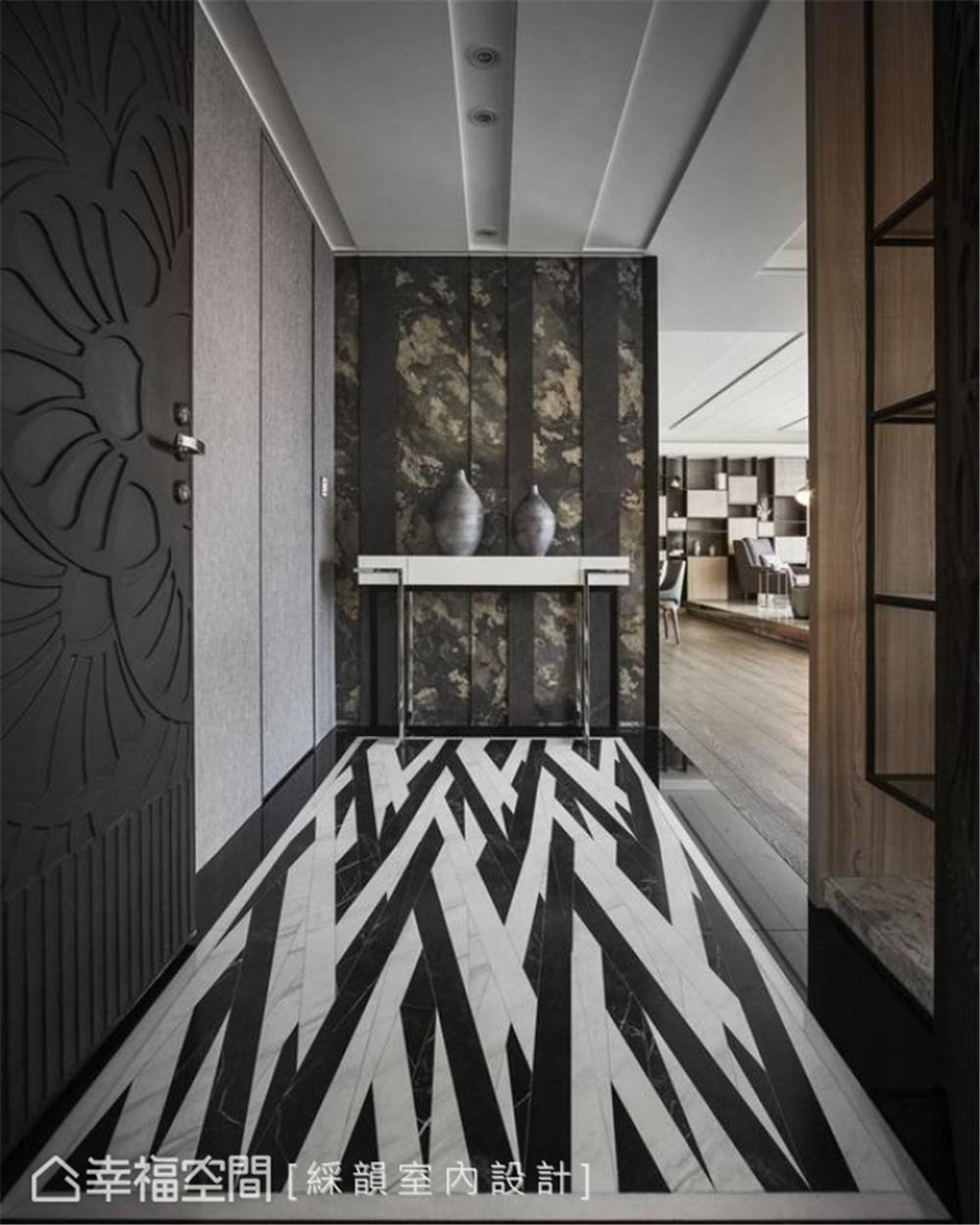 装修设计 装修完成 现代风格 古典风格 玄关图片来自幸福空间在331平,真实的生活感 精品空间的分享