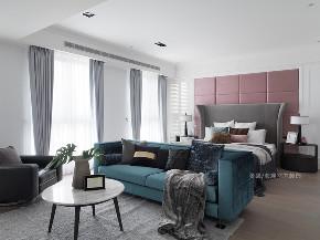 卧室图片来自张馨/瀚观室内装饰在为四代同堂筑一个梦想城堡的分享