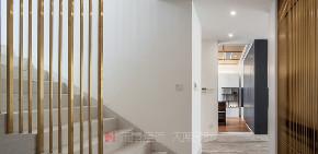 楼梯图片来自禾景大陈设计在喧嚣城市中,与自然同居的分享