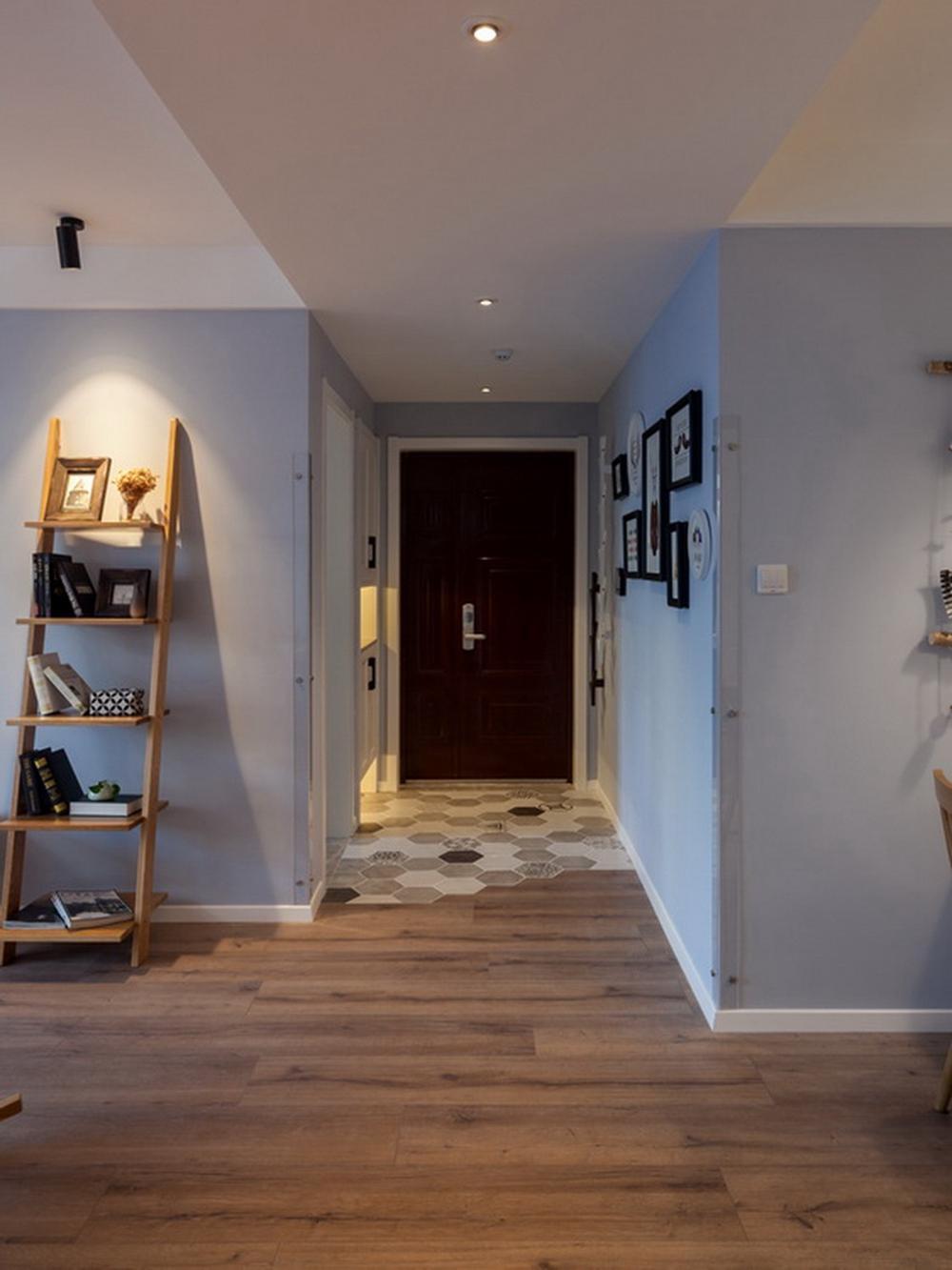 欧式 白领 旧房改造 80后 客厅图片来自今朝小伟在初夏的海风的分享