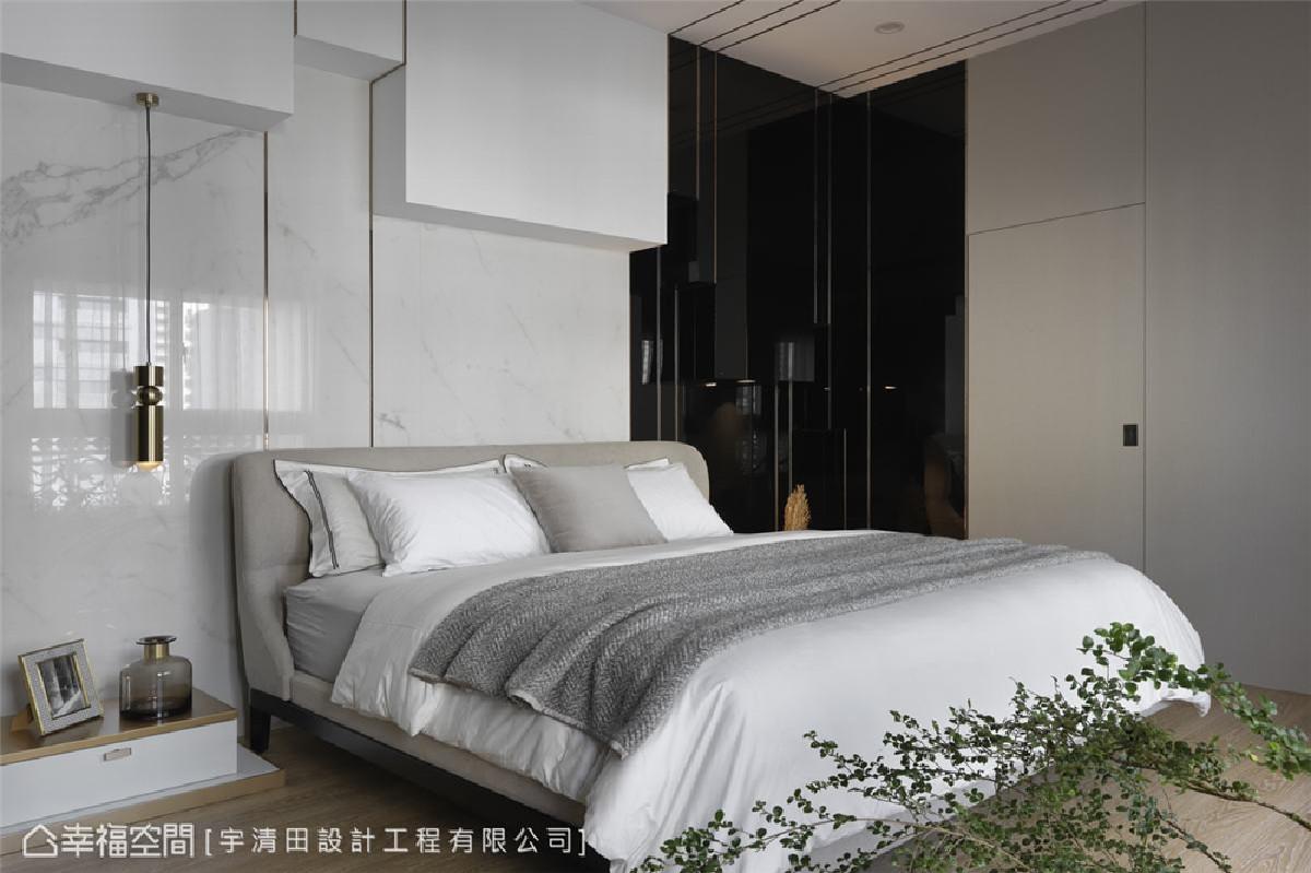 女生卧房 床头背墙以不规则造型及金属饰条修饰大梁,消弭压迫感。主墙使用拟真石材磁砖,轻薄不占空间。