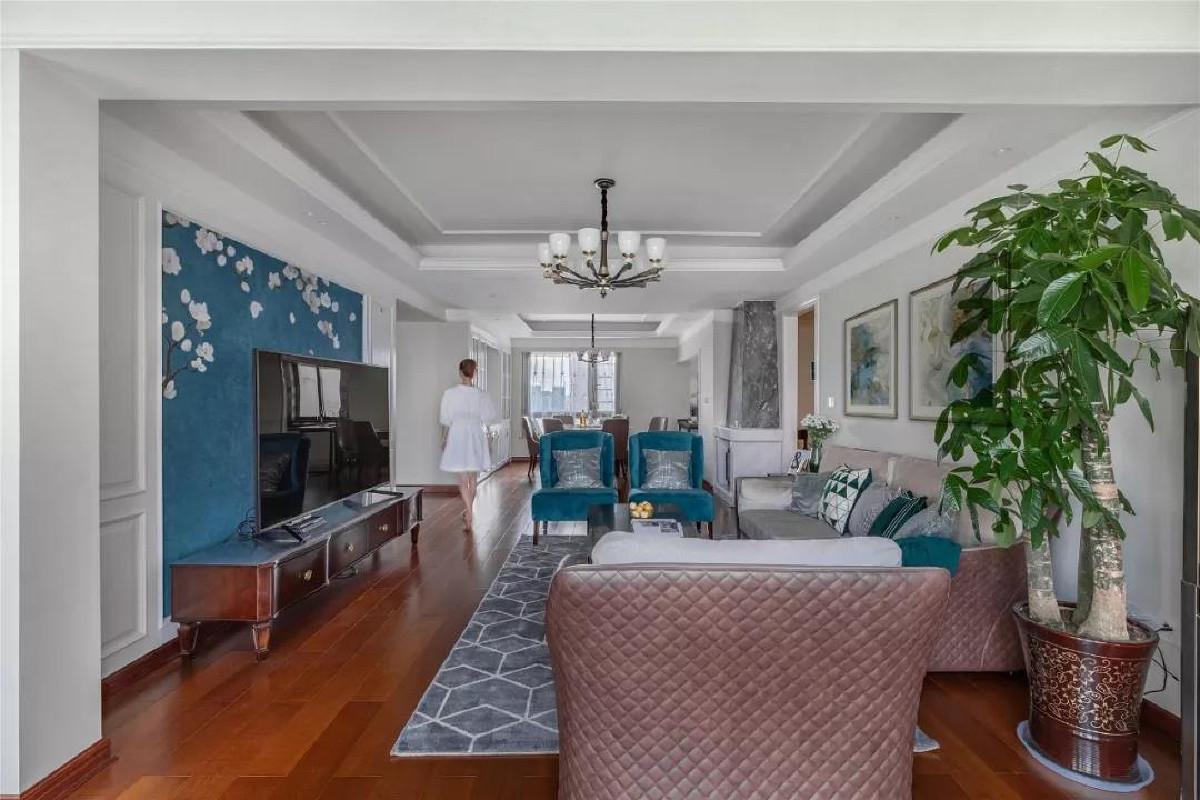 整个客厅与餐厅相连在一起并不觉得狭小,反而活动空间充足,人多的时候,拉近更多的氛围感