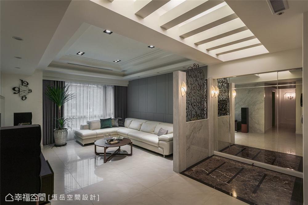 装修设计 装修完成 新古典 玄关图片来自幸福空间在119平,风雅入室 精雕新古典美学的分享