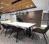 木质温润调性 考量餐厨空间是家人欢聚的空间,子境室内装修设计团队特意选用木天花搭配皮革绷布壁面,赋予空间温度感。