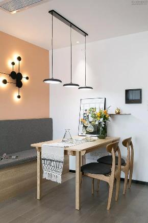 二居 白领 旧房改造 小资 餐厅图片来自今朝小伟在72㎡暖色北欧二居的分享