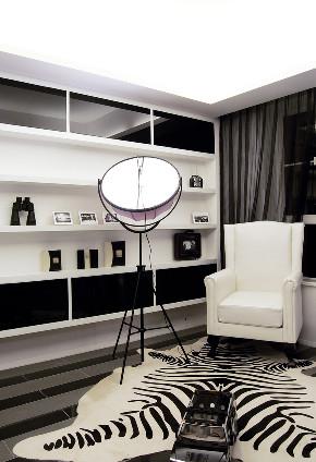 简约 二居 白领 收纳 旧房改造 80后 小资 书房图片来自今朝小伟在经典灰白黑案例的分享