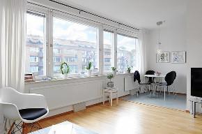 简约 二居 白领 收纳 旧房改造 80后 小资 阳台图片来自今朝小伟在清新脱俗,美家44平个性小公寓的分享
