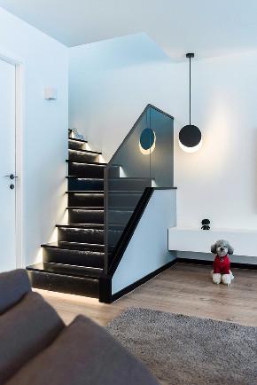 简约 三居 白领 收纳 旧房改造 80后 小资 楼梯图片来自今朝小伟在三空间实景图-120平米-简约风格的分享
