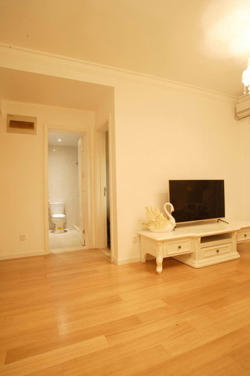 欧式 二居 白领 收纳 旧房改造 80后 小资 客厅图片来自今朝小伟在欧式 二居室 60.0平米的分享