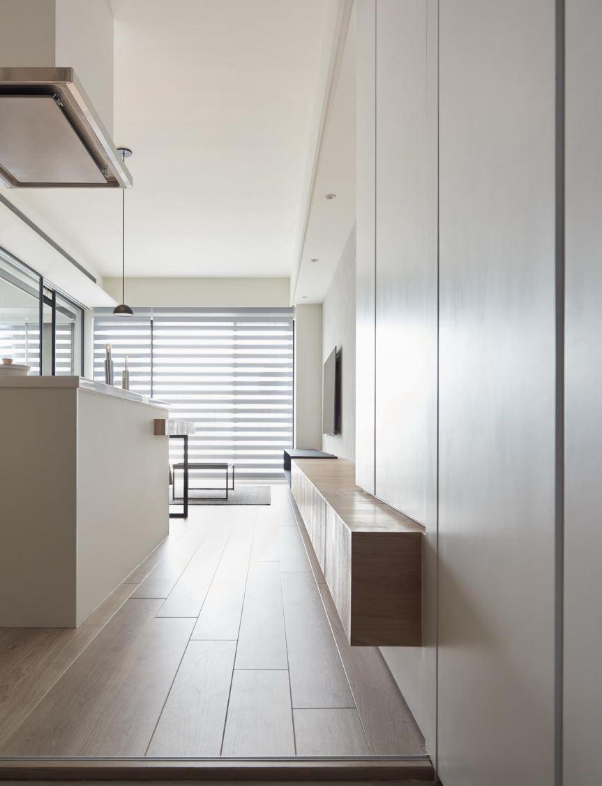简约 三居 白领 收纳 旧房改造 80后 小资 玄关图片来自今朝小伟在7万拿下180平米现代简约风格的家的分享