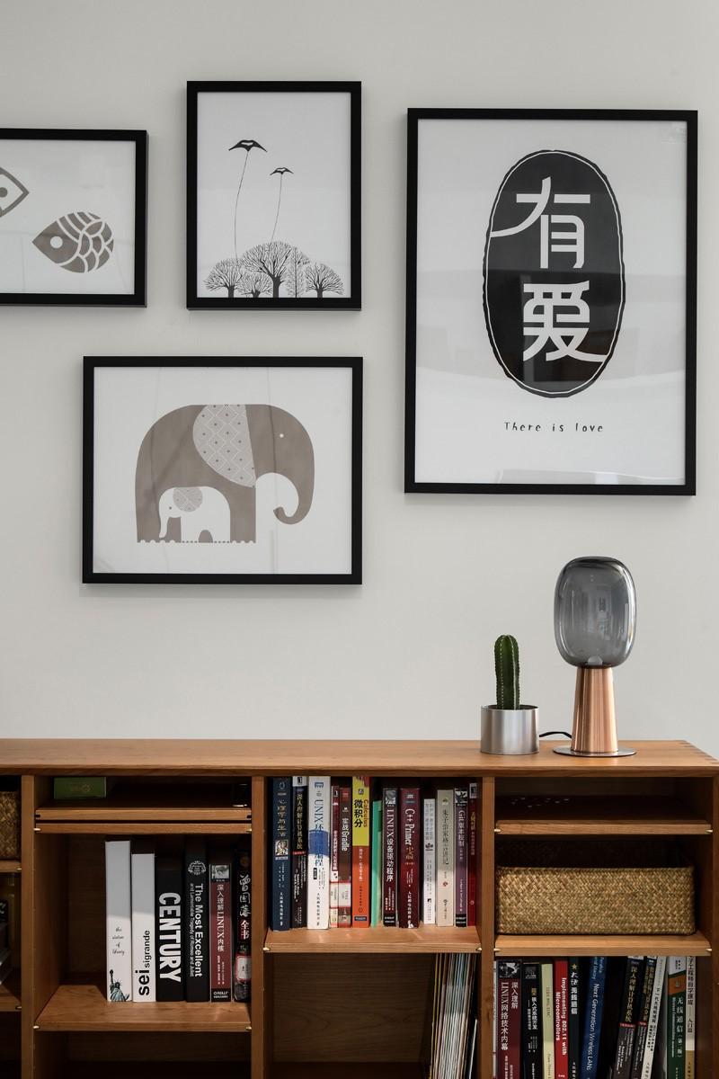 简约 三居 白领 收纳 旧房改造 80后 小资 书房图片来自今朝小伟在极简才是我们的生活方式的分享
