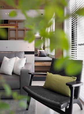 混搭 二居 白领 收纳 旧房改造 80后 小资 客厅图片来自今朝小伟在混搭时尚风。来自蓝色调的分享