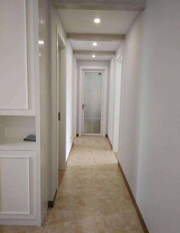 三居 白领 收纳 旧房改造 80后 小资 玄关图片来自今朝小伟在120平美式-森林华尔兹的分享