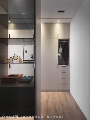 装修设计 装修完成 现代风格 衣帽间图片来自幸福空间在66平,现代设计 刻划风雅质感宅的分享